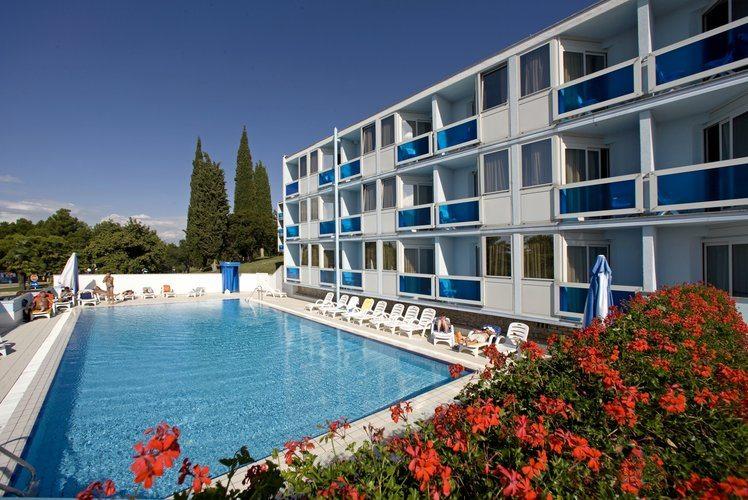 Hotel Plavi***